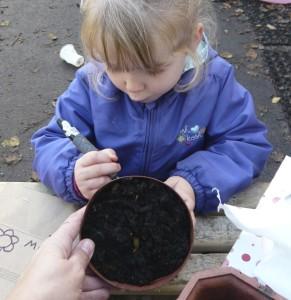 Labelling plant pots